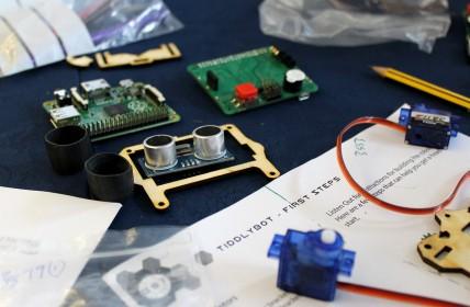 Tiddybot kit at Digimakers