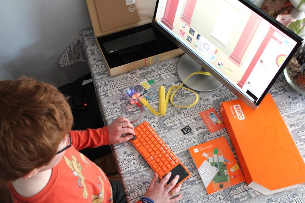 Raspberry Pi KANO Computer Kit