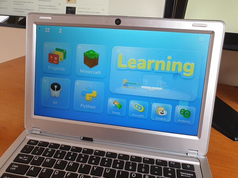 CrowPi2 showing Learning System homepage